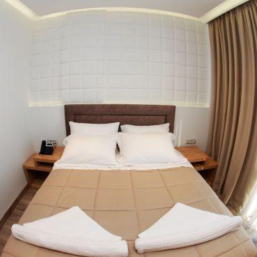 Hotel me 4 yje ne Sarande